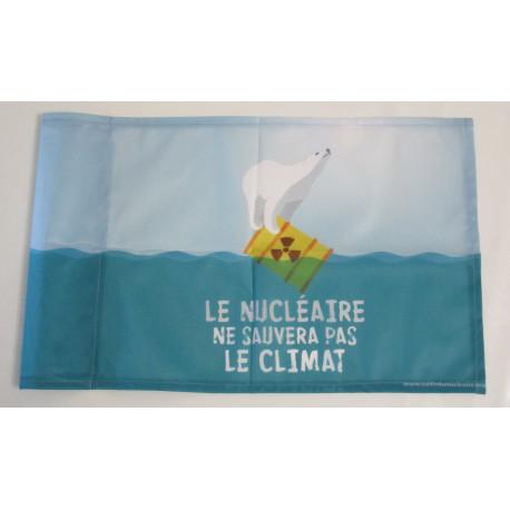 """Drapeau """"Le nucléaire ne sauvera pas le climat"""" 57 x 35 cm"""