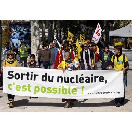 """Banderole """"Sortir du nucléaire, c'est possible"""""""